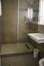salle de bain kyriad