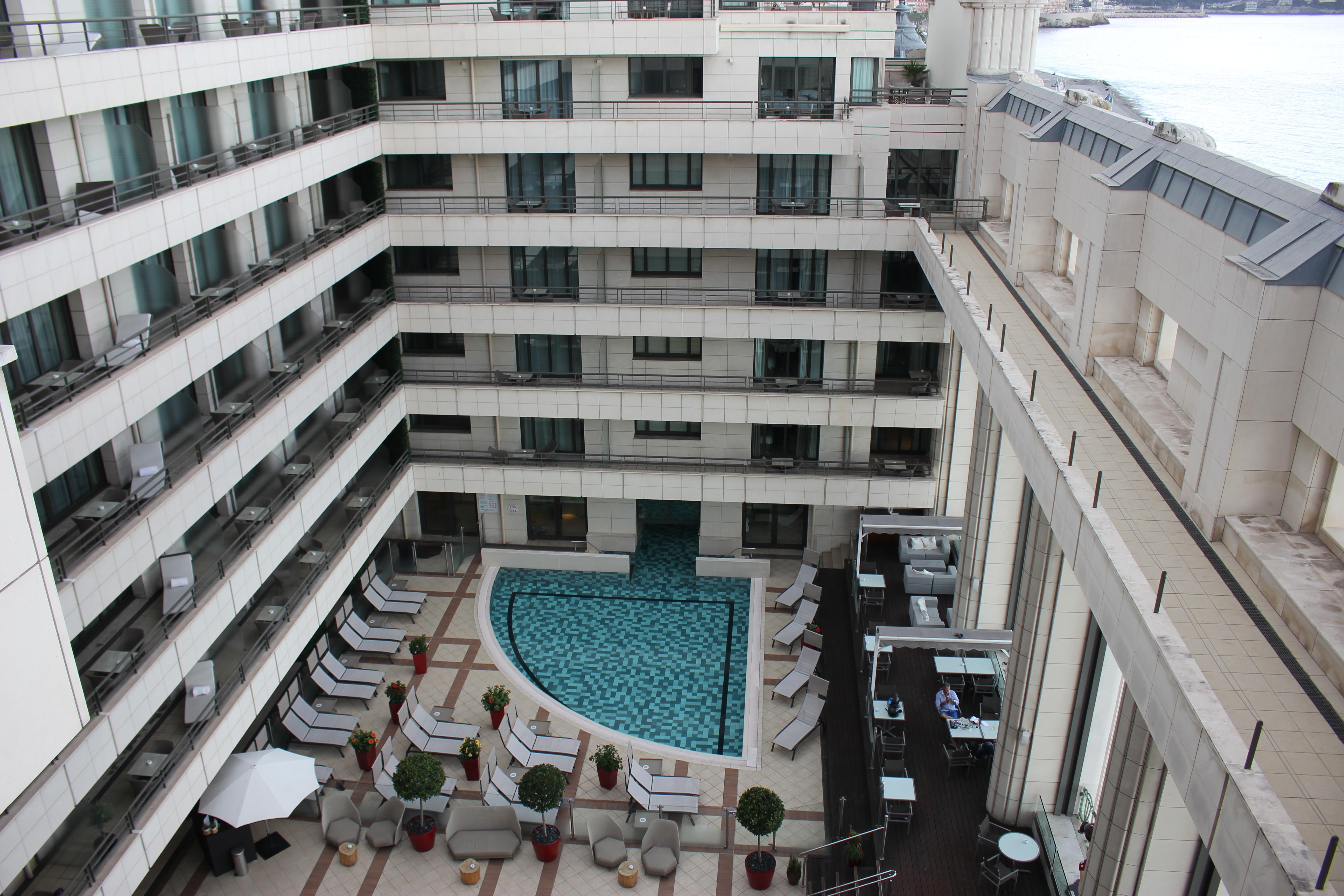 Hyatt Regency Nice piscine