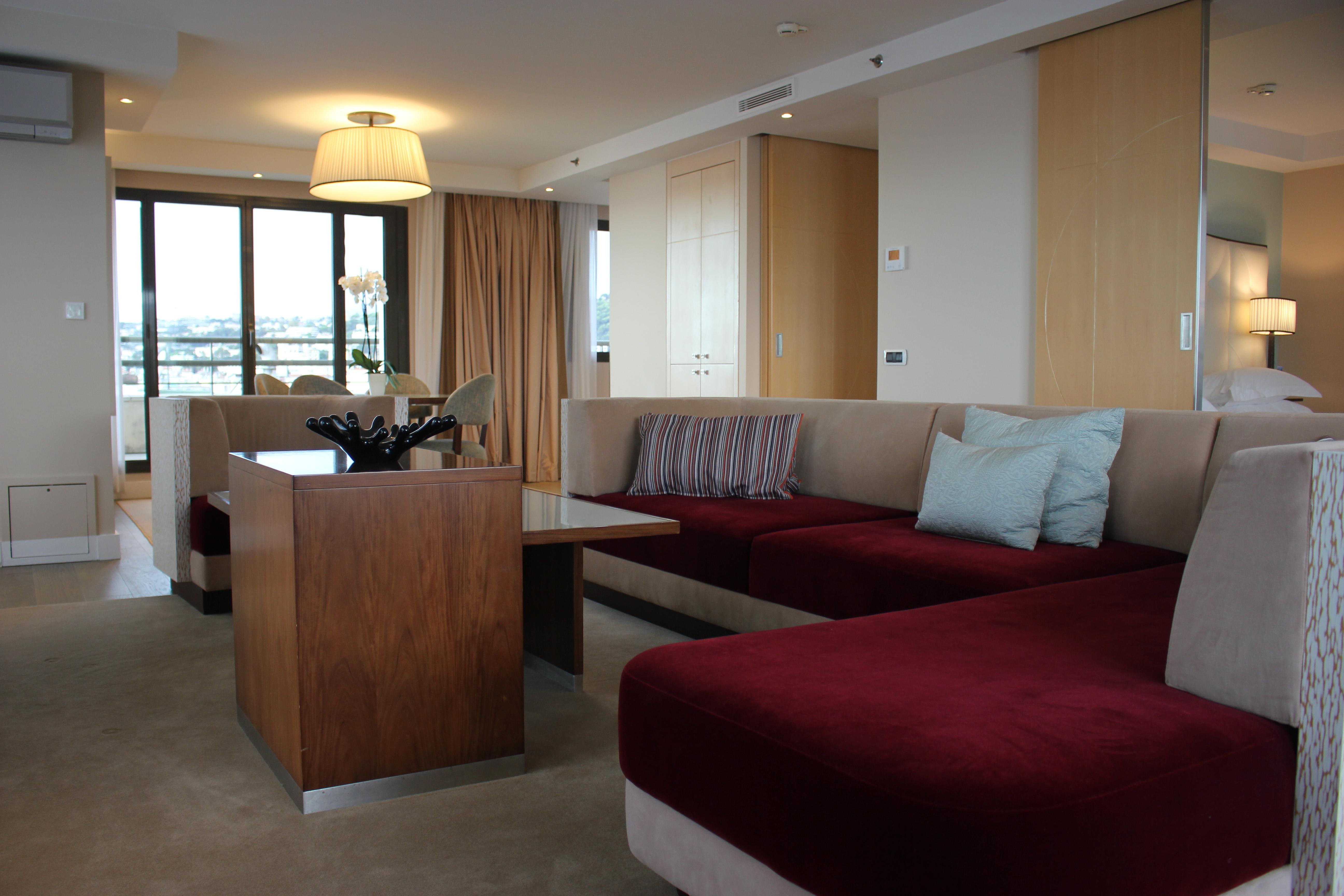 Hyatt Regency Nice suite