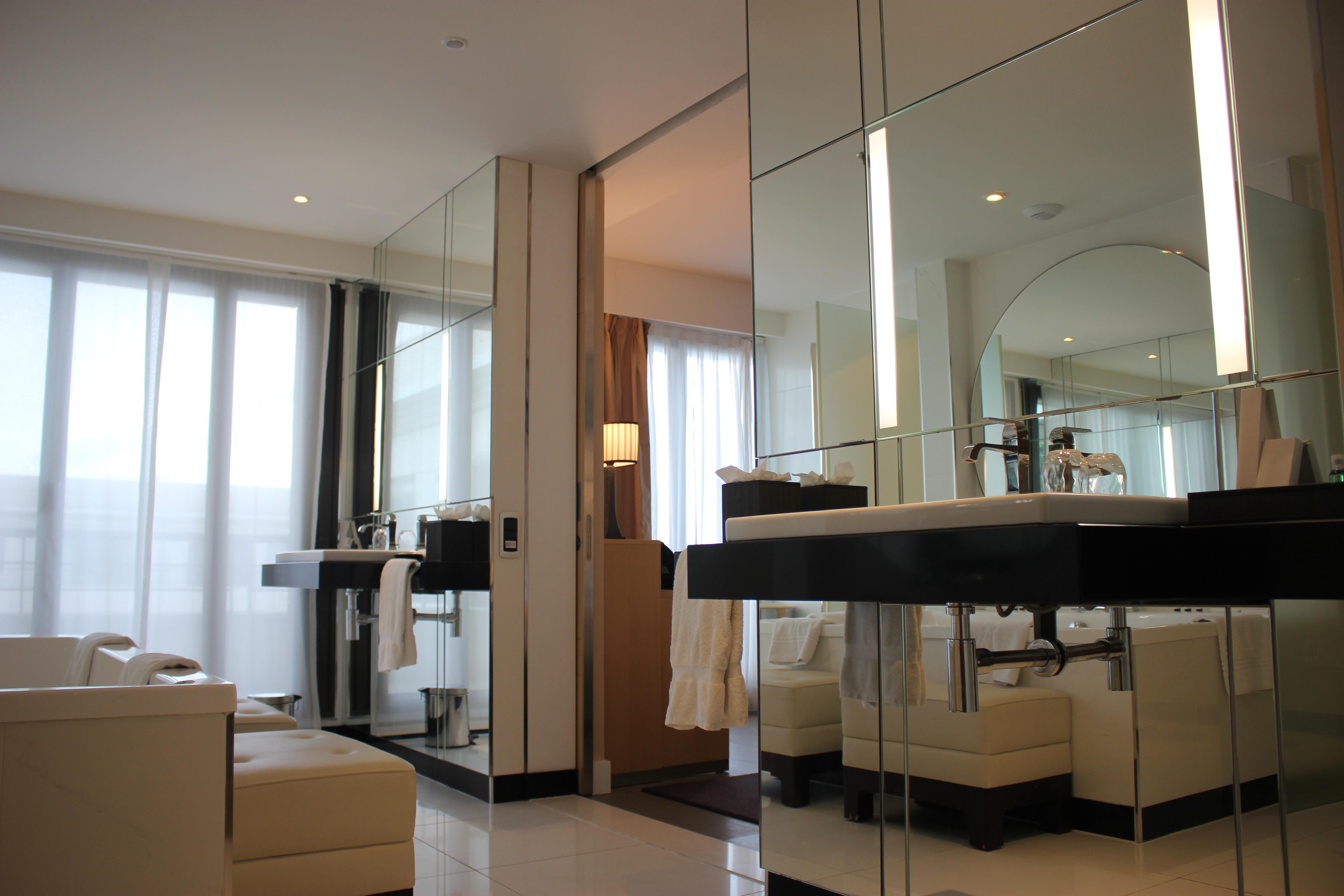 Hyatt Regency Nice bathroom